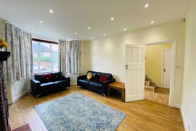 Thumbnail Semi-detached house to rent in Manor Park Gardens, Edgware, Middlesex