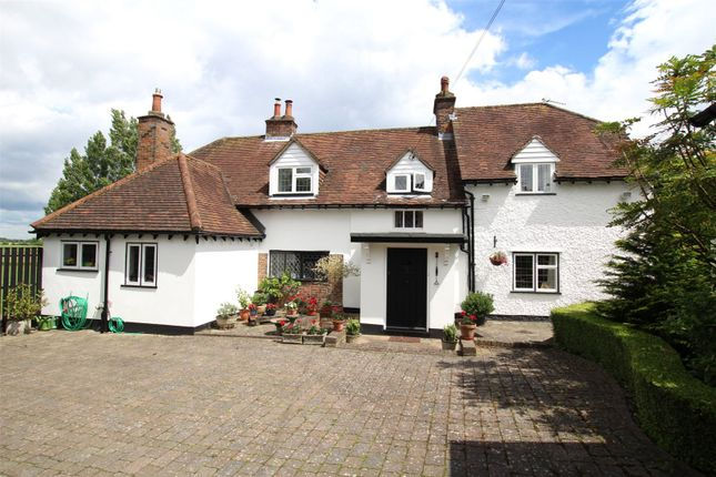 Thumbnail Detached house for sale in Common Road, Kensworth, Bedfordshire