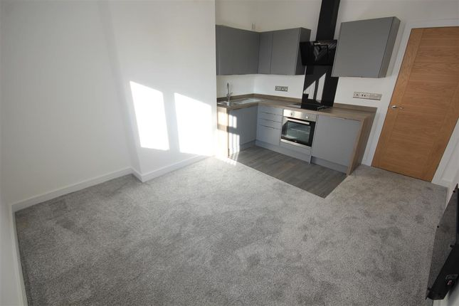 Thumbnail Flat to rent in Vale Heights, Vale Road, Parkstone, Poole