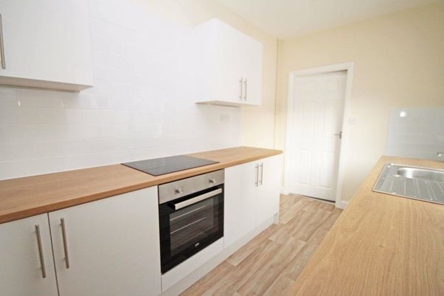 3 bed terraced house to rent in Stanley Street, Grimsby DN32