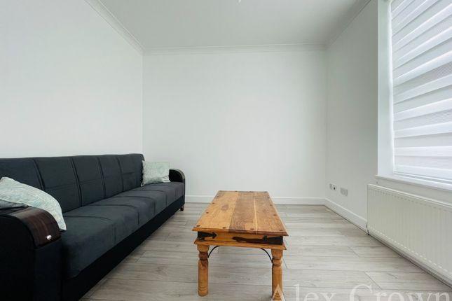 Thumbnail Flat to rent in High Street, High Barnet, Barnet