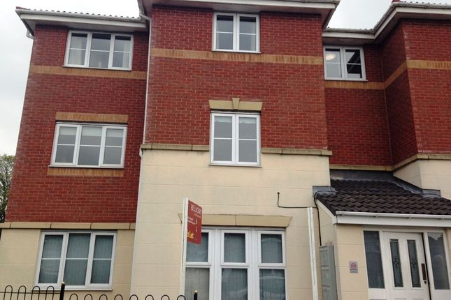 Thumbnail Flat to rent in Mount Pleasant Avenue, Parr, St Helens