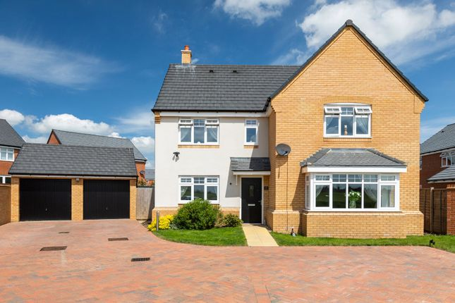 Thumbnail Detached house for sale in Sparrow Gardens, Lower Stondon, Henlow, Beds
