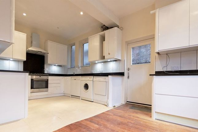 Thumbnail Maisonette to rent in Crescent East, Barnet