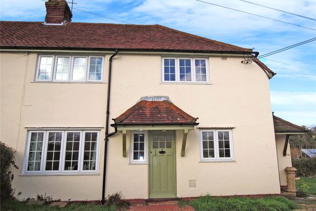 Thumbnail Flat to rent in Jubilee Cottages, Dark Lane, Puttenham, Guildford