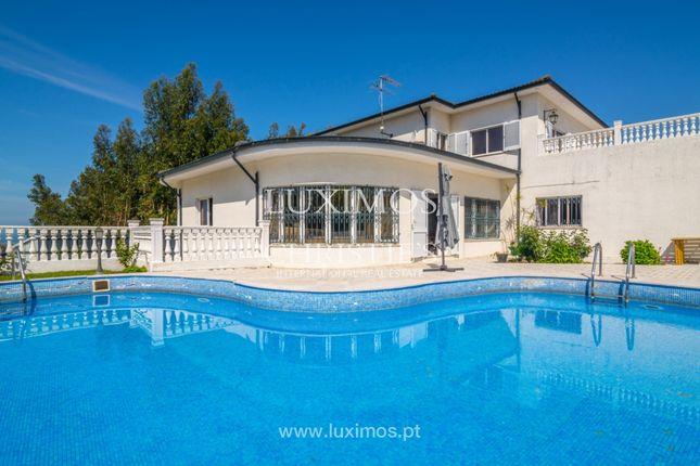 Villa for sale in 4500 Espinho, Portugal