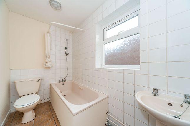 House Bathroom of Ivy Terrace, Barnsley Street, Hull, East Yorkshire HU8