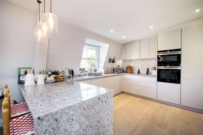 Thumbnail Flat to rent in Ladbroke Square, London