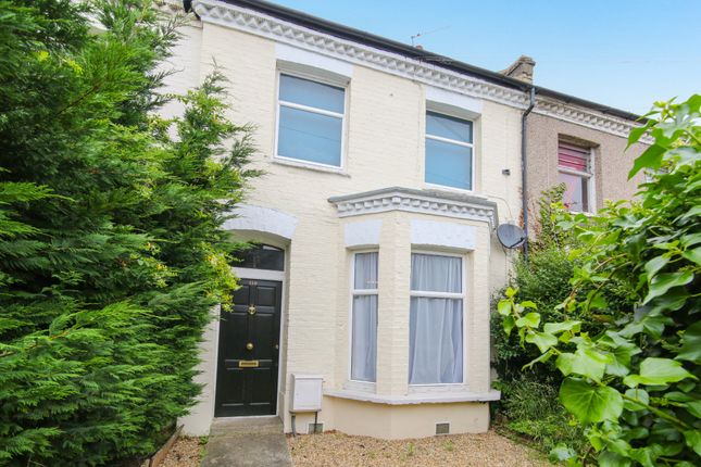 Thumbnail Flat to rent in Fountain Road, London