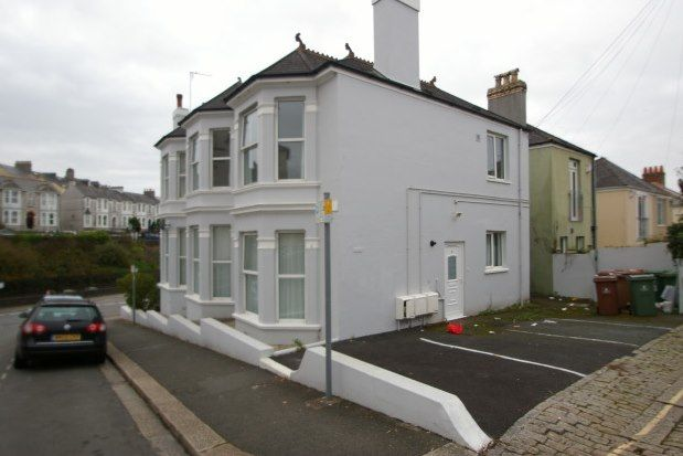2 bed flat to rent in Dale Road, Mutley, Plymouth PL4