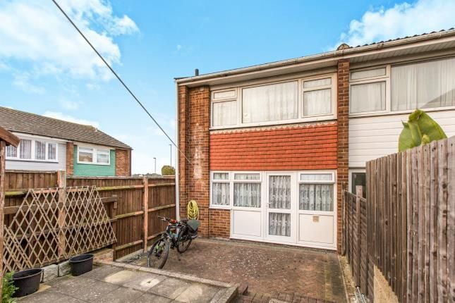 Watersedge road cosham portsmouth po6 2 bedroom end for 23 watersedge terrace highton