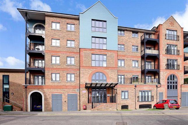 Thumbnail Flat for sale in Medway Wharf Road, Tonbridge, Kent