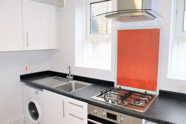 Thumbnail Flat to rent in Goldie House, Archway