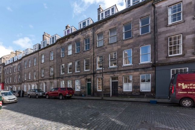 Thumbnail Flat for sale in Barony Street, New Town, Edinburgh