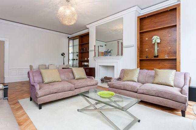 Flat to rent in Grosvenor Square, Mayfair, Green Park
