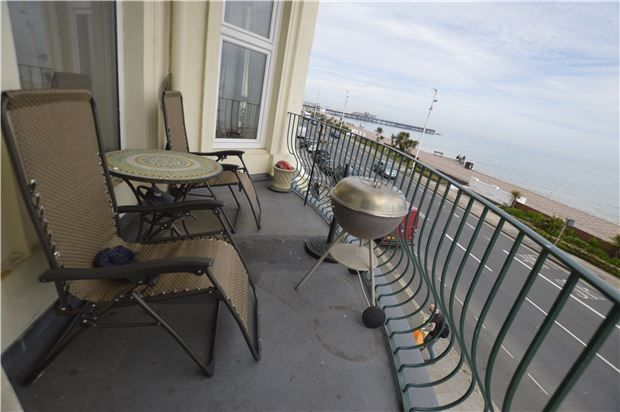 Thumbnail Flat for sale in Park Lane Mansions Eversfield Place, St Leonards-On-Sea, East Sussex
