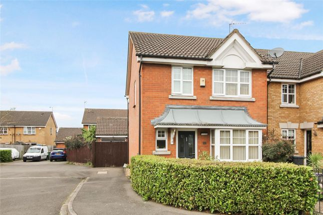 3 bed detached house for sale in Randall Drive, Dunstable LU5