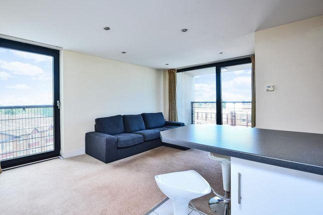 Living Room of 100 Kingsway, London N12