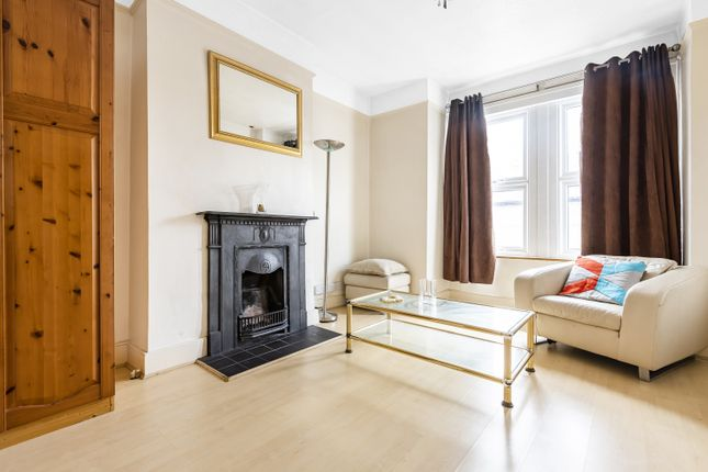 3 bed flat for sale in Roxley Road, London SE13