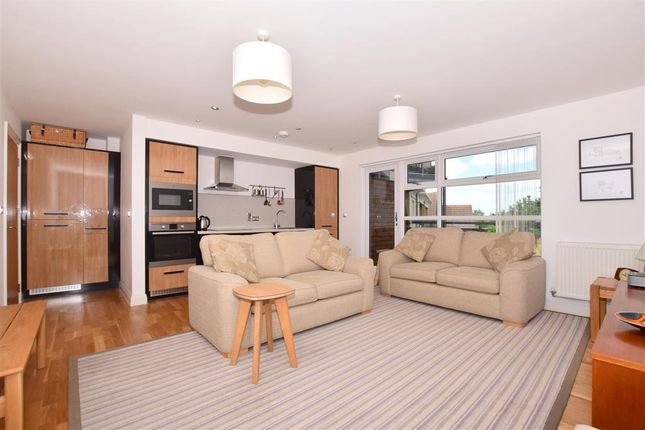 Living Room of The Bridge Approach, Whitstable, Kent CT5