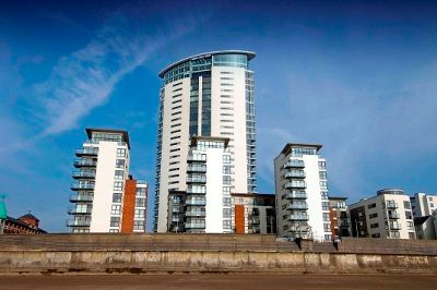 Thumbnail Flat to rent in Meridian Tower, Trawler Road, Swansea.