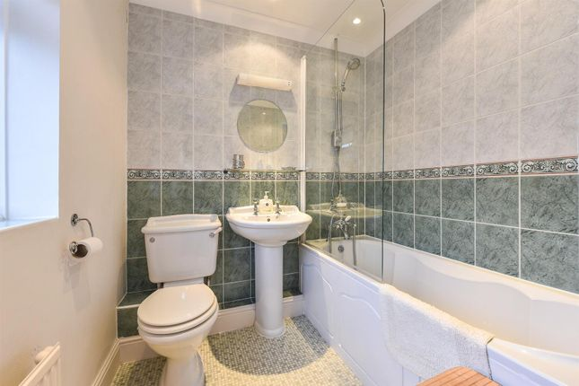9088m Bath1 of Palmerston Place, Andover SP10