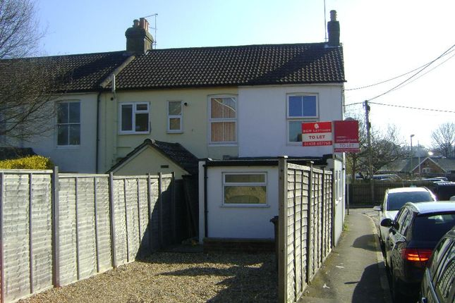 Thumbnail Flat to rent in Victoria Road, Alton