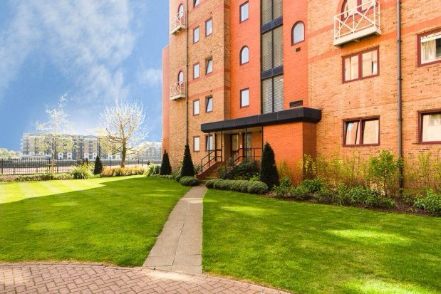 Thumbnail Flat to rent in Sailmakers Court, William Morris Way