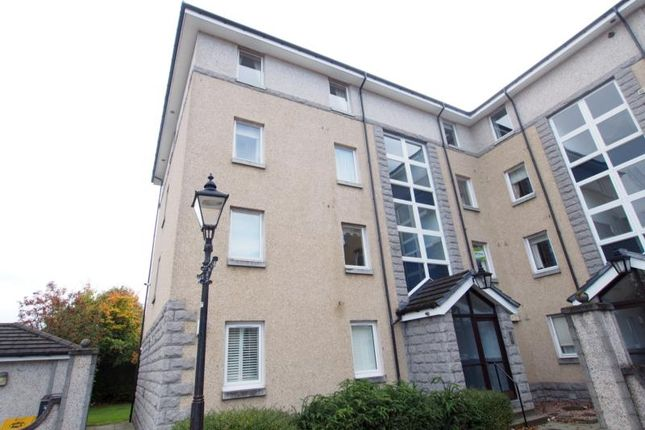 Thumbnail Flat to rent in Bloomfield Court, Top Floor