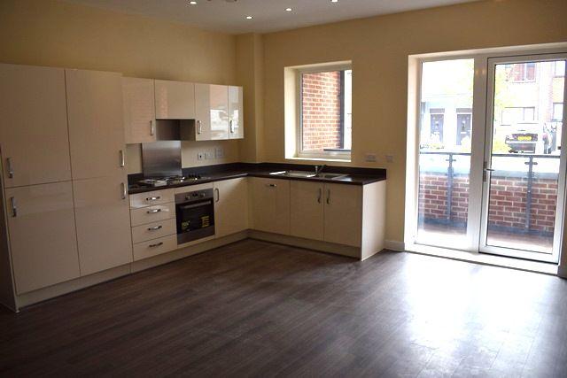 Thumbnail Flat to rent in Bruce Road, Harrow Weald