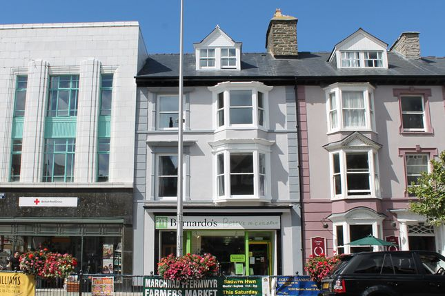 Thumbnail Flat to rent in 18 North Parade, Aberystwyth