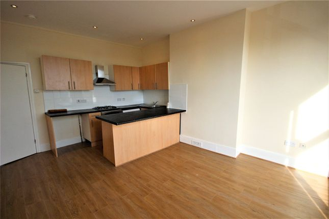 Thumbnail Flat for sale in Woodland Road, New Southgate, London