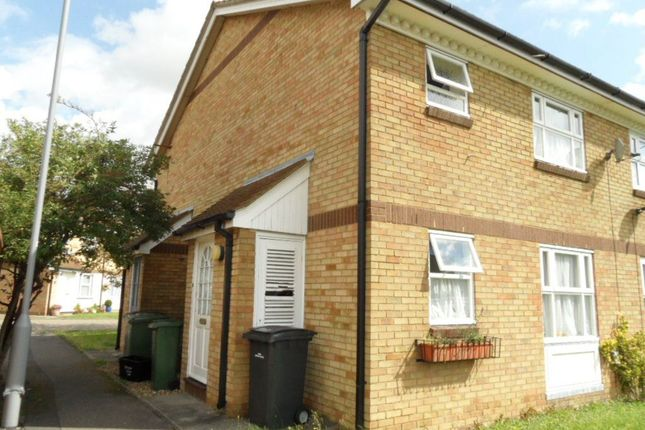 Thumbnail Property to rent in Berrow Close, Luton