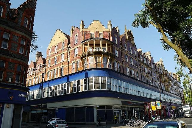 Thumbnail Flat for sale in Oxford House, Cheapside, Reading