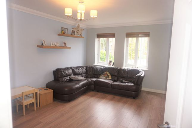 Lounge of New Forest Way, Kingswood, Hull HU7