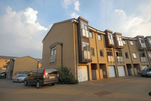 Thumbnail Town house to rent in Rustat Avenue, Cambridge, Cambridgeshire