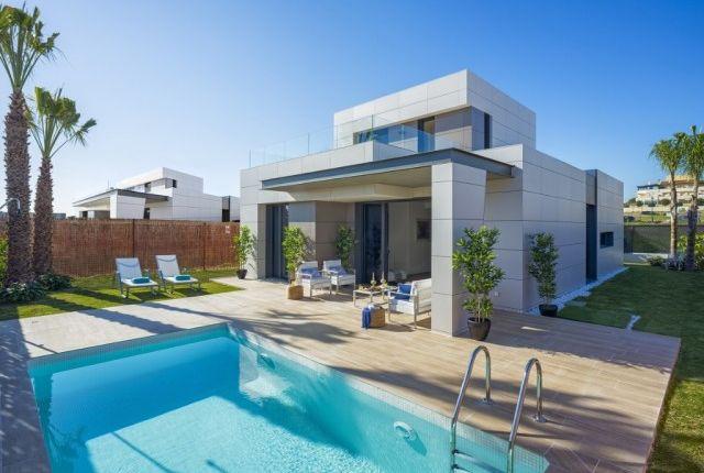 Properties for sale in torre del mar m laga andalusia for Apartamentos en torre del mar con piscina