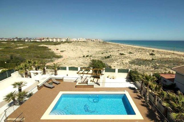 Thumbnail Villa for sale in La Mata (Torrevieja), Costa Blanca, Spain