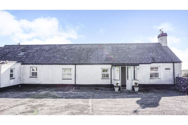 Thumbnail Cottage for sale in Bryncroes, Pwllheli