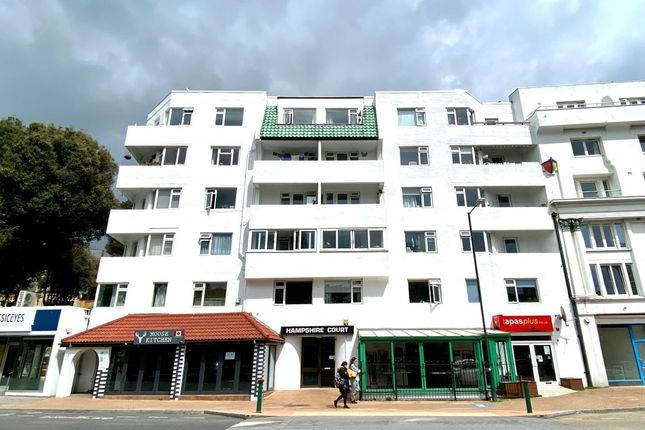 Thumbnail Flat for sale in Flat 18 Hampshire Court, Bourne Avenue, Bournemouth, Dorset