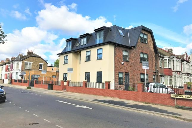 Thumbnail Flat for sale in Willoughby Road, London