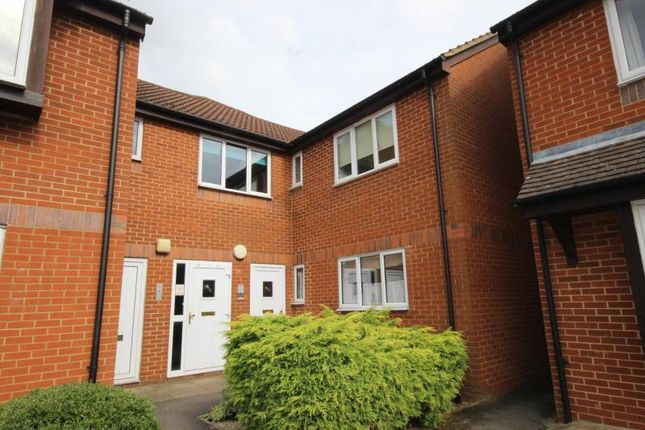 Thumbnail Flat to rent in Abingdon Close, Thame, Oxfordshire