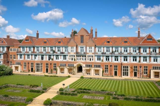 Thumbnail Flat for sale in Midhurst, West Sussex