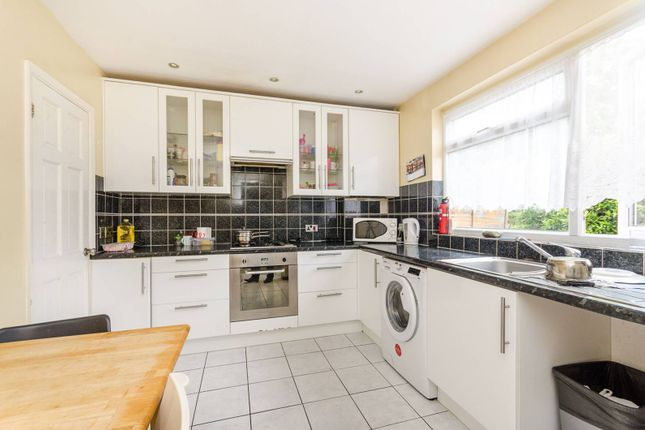 Thumbnail Maisonette for sale in St Matthews Road, Brixton