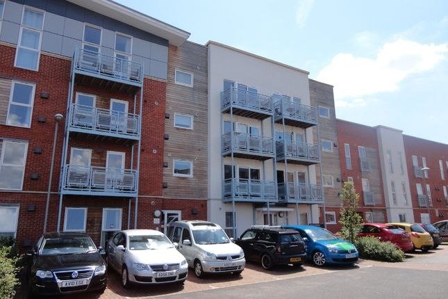 Thumbnail Flat for sale in Gaskell Place, Ipswich