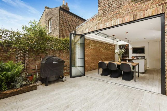 Thumbnail Terraced house to rent in Chetwynd Road, London