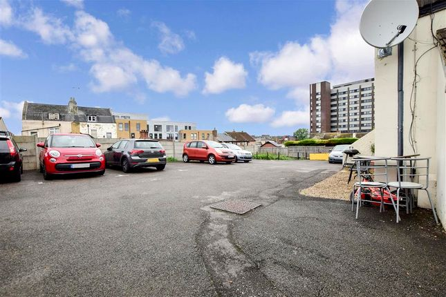 Driveway/Parking of Melville Road, Maidstone, Kent ME15