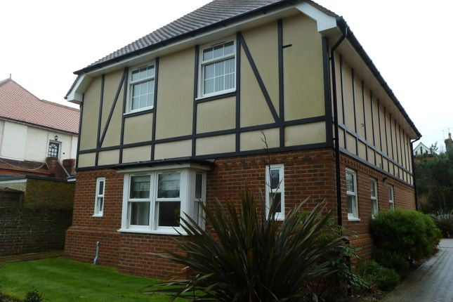 Thumbnail Flat to rent in Mill Road, Worthing, West Sussex