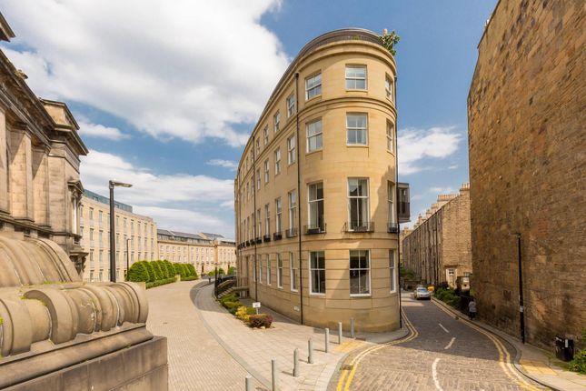 Thumbnail Flat for sale in St. Vincent Place, Edinburgh
