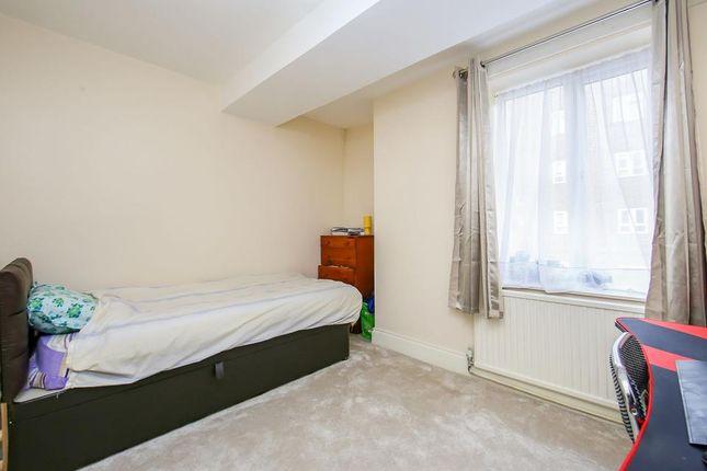 Bedroom of Rainhill Way, London E3